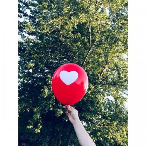 Kırmızı Balona Beyaz Kalp Hazır Baskılı Balon